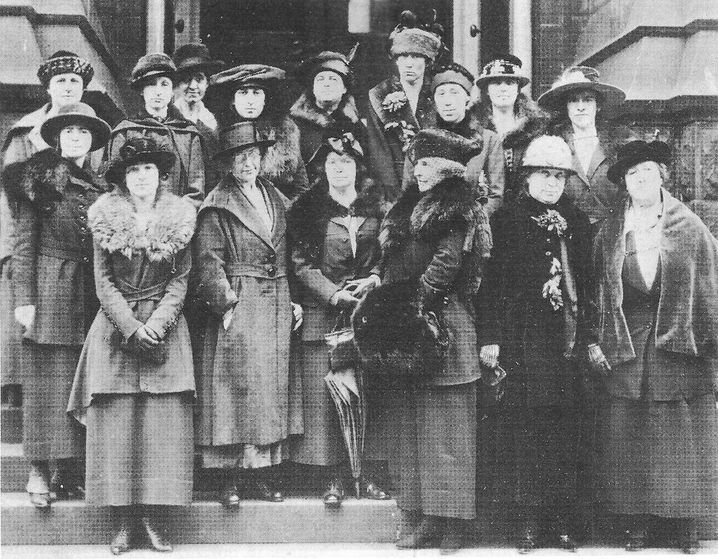 Women in 1919 Begin Club Supporting Women's Rights